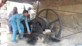 starting-the-diesel-engine-best-sounding-diesel-engine-old-black-engine-kala-engine-22-hp-of-1950