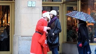 Santa Claus Kissing Girls! (Sadam)