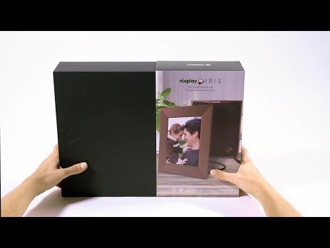 presenting-nixplay-iris-digital-photo-frame