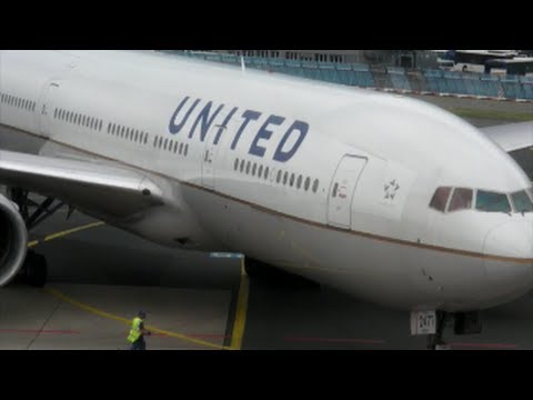 Boeing 777 United Airlines. Pushback and Taxi. Flight UA933 from Frankfurt to Washington.