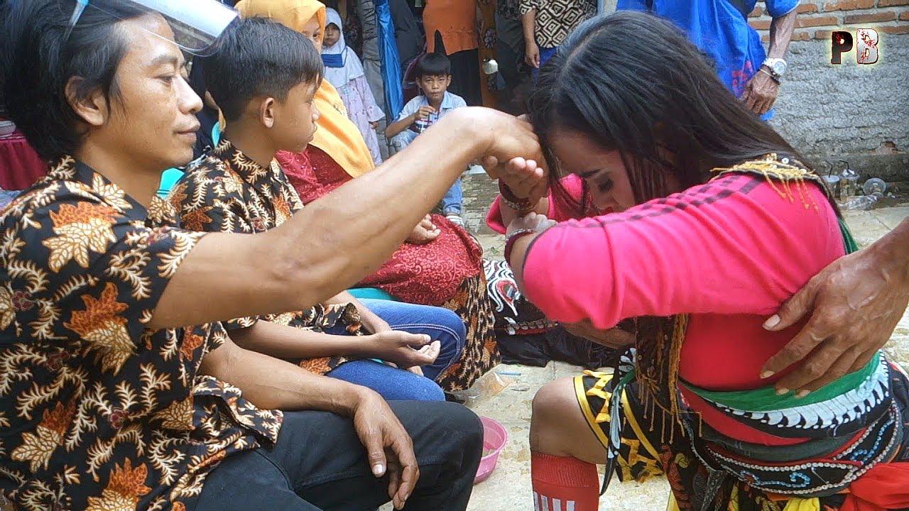 TLUTUR EBEG BANYUMASAN SUNGKEMAN EBEG WADON CANTIK TURONGGO WULUNG BUDAYA