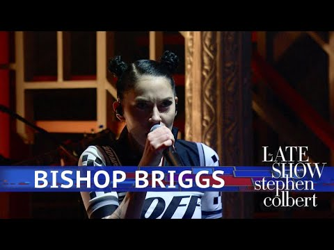 Bishop Briggs Performs 'White Flag'