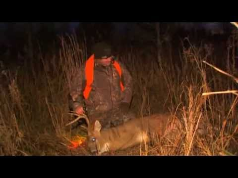 Brad Farris Hunting whitetails on the Mississippi River