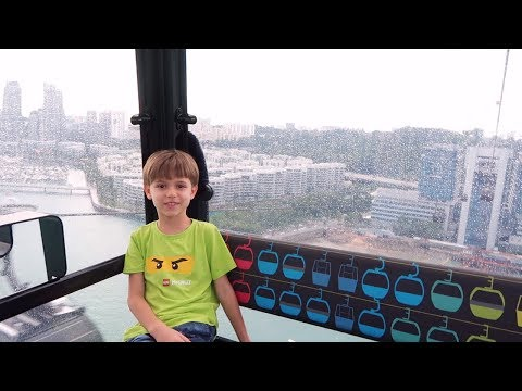 Trying to Have Fun in Rainy Day - Singapore Cable Car