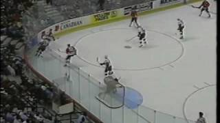 """Chicago Blackhawks - Pat Foley and Dale Tallon - """"Wee Knee"""" comment"""
