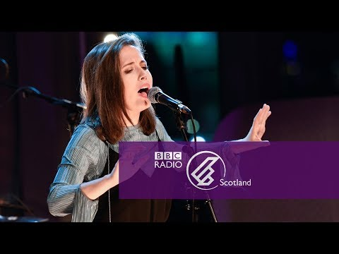 Alice Merton - Lash Out The Quay Sessions