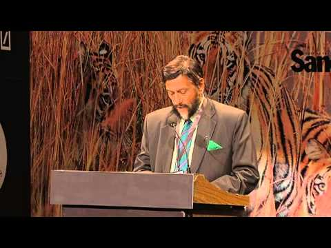 Dr. Pachauri addresses the audience at the Sanctuary Asia Wildlife Awards 2014