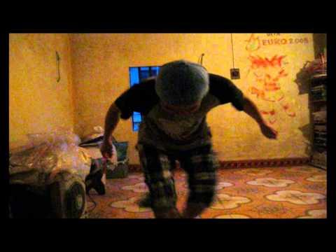 Dance LEN NOC NHA LA BAT CON GA! :))