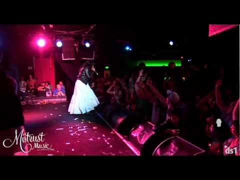 Jean Grae ft Mela Machinko - 'This morning' live at the Prince Bandroom