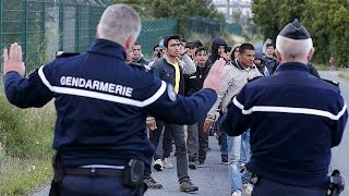 Blame game as the migrant Calais crisis deepens