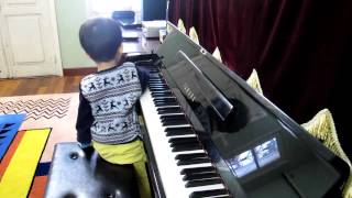 piano playing of vietnamese 3 year old boy is very funny and special part 1