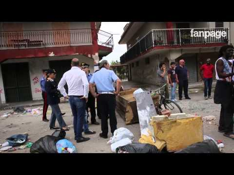 Castel Volturno, italiani contro immigrati: scoppia la rabbia etnica