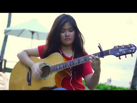 KEREN Cewek VS Laki Main Gitar Lagu Despacito