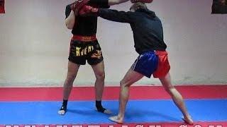 Тайский бокс Работа на Лапах - Отработка нокаутирующего встречного прямого(В этом видео уроке по тайскому боксу Работа на Лапах, ты увидишь как можно отработать встречный прямой...., 2013-10-14T06:23:40.000Z)