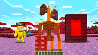 Playing As SIRENHEAD In Minecraft!