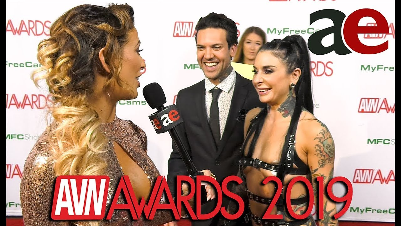 Joanna Angel & Small Hands: AVN 2019 Red Carpet Interview