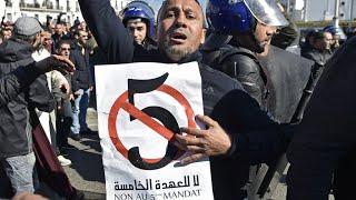 Plusieurs milliers de personnes manifestent à Alger contre la candidature d'Abdelaziz Bouteflika