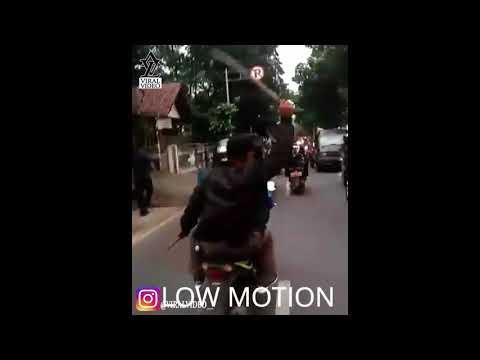 Video Viral Terbaru Geng Motor XTC Acungkan Senjata Di Bandung