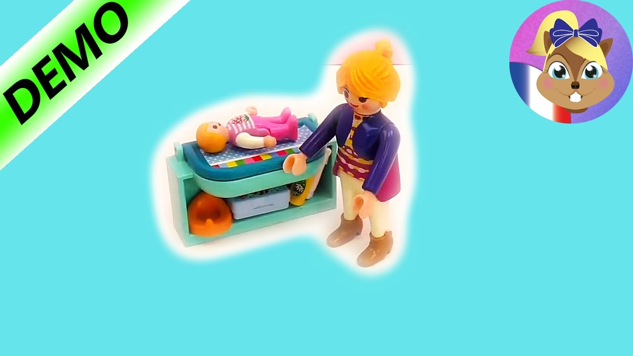 La maman playmobil playmobil sp cial la table langer for Playmobil chambre bebe