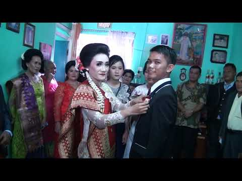 Polman Sitorus & Erika Br. Pasaribu - Pernikahan Adat Batak (Part I)