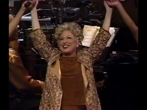 Bette Midler - Boogie Woogie Bugle Boy (Live Divine Miss Millenium)