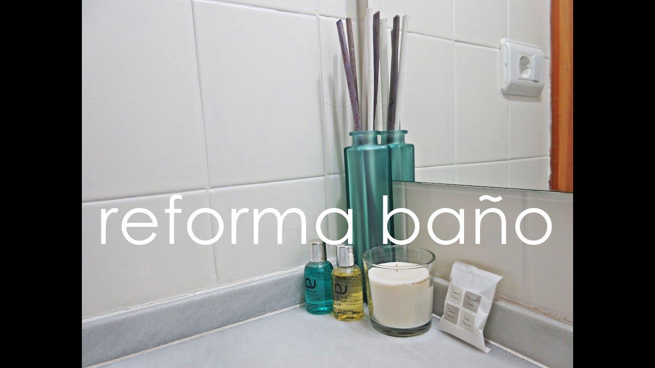 Reforma en el ba o sin obras c mo pintar los azulejos - Pintar bano con hongos ...