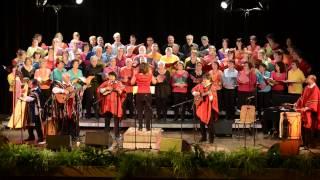 """Misa Criolla - Gloria (extrait). Los Koyas, avec les choeurs """"Val Canto"""" et """"Les Uns et les Autres""""."""