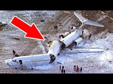 Во время посадки самолет Paзвaлилcя на 3 части