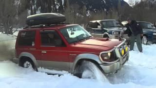 Паджеро в снігу)