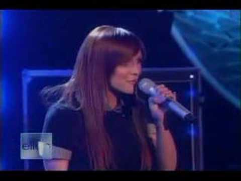 Ashlee Simpson - Little Miss Obsessive At Ellen De Generes
