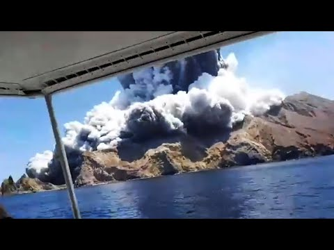 video: New Zealand volcano: White Island eruption leaves one person killed and tourists 'unaccounted for'