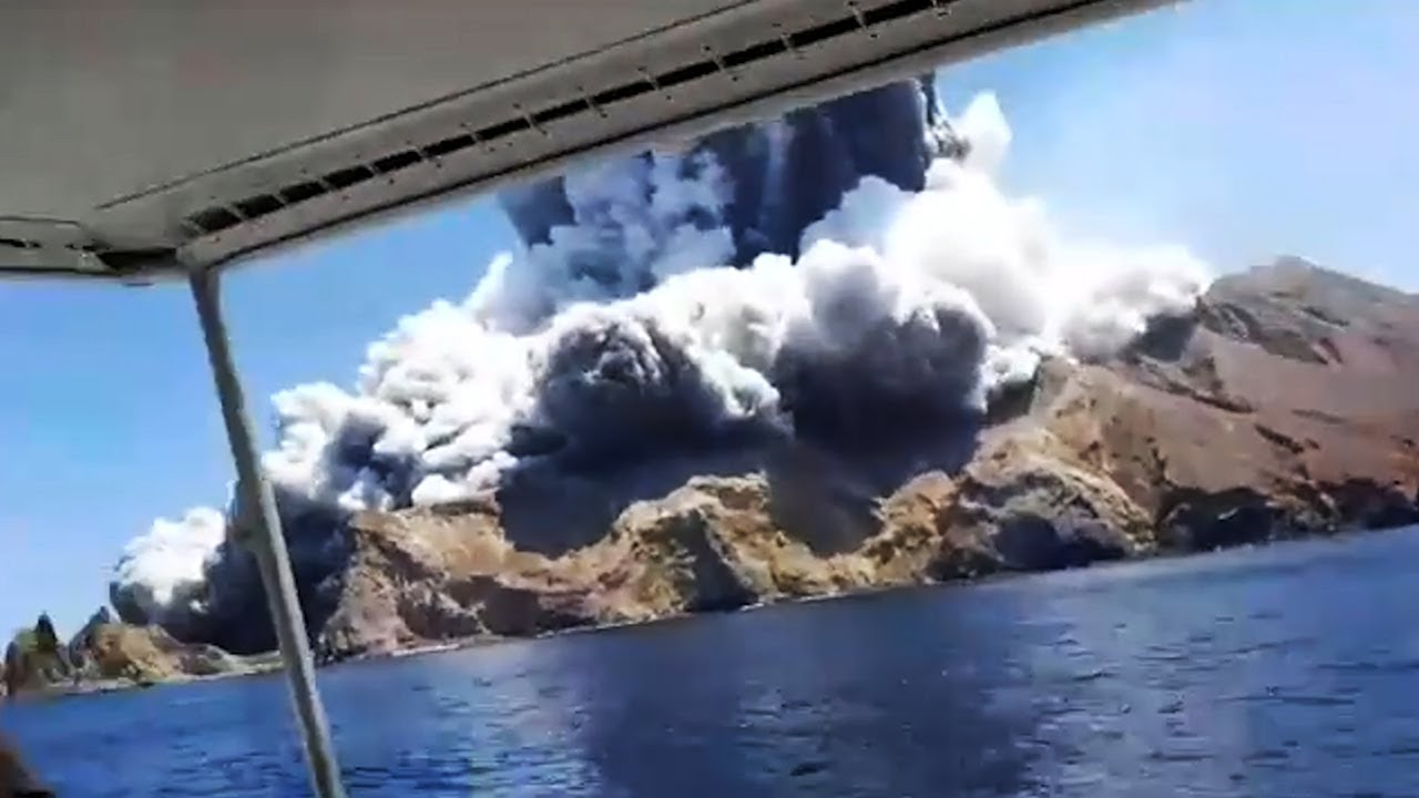 New Zealand volcano eruption: Why were tourists on White Island ...