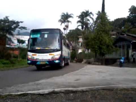 Konvoy bus OBL Safari darma raya dikawal polisi