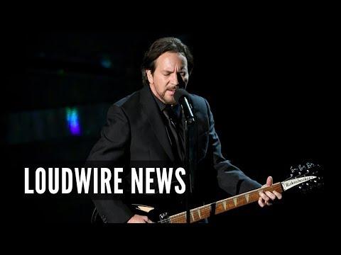 Eddie Vedder Performs at Oscars 'In Memoriam' Tribute