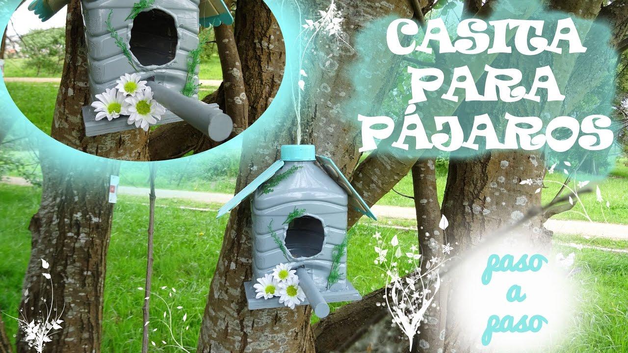 C mo hacer una casita para p jaros reciclando botellas de for Casas de plastico para jardin
