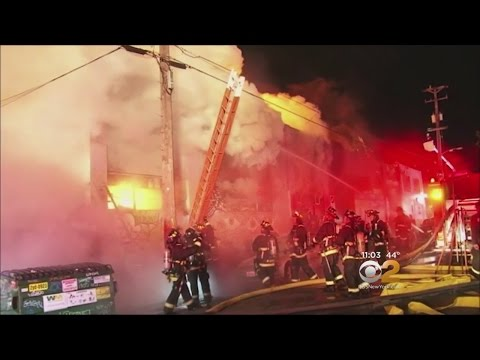 Authorities Probe Deadly Oakland Fire