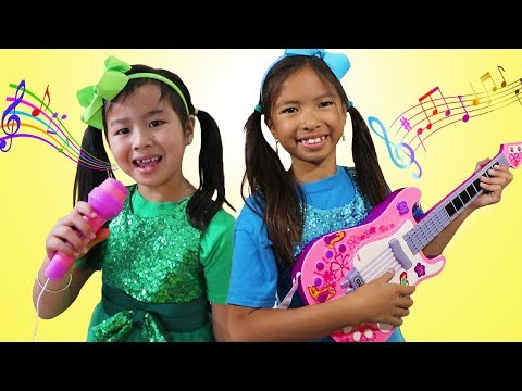 Wendy & Jannie Pretend Play Kids Got Talent Nursery Rhymes Sing-Along Song Challenge