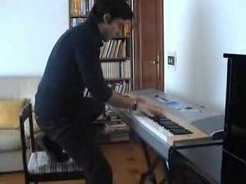 Invincible (Muse) piano solo - STANDUP SOLO - Matt Bellamy's Style