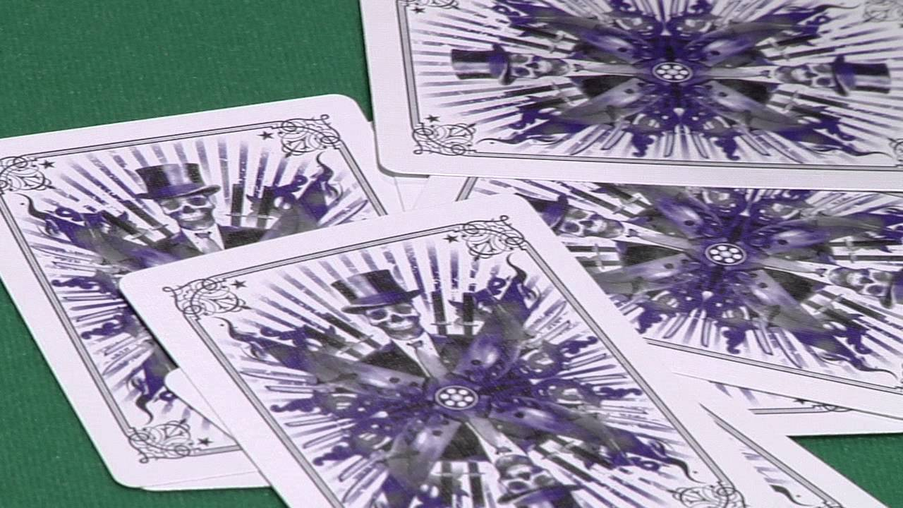 KARNIVAL RENEGADE PURPLE LIMITED ED BICYCLE DECK OF PLAYING CARDS MAGIC TRICKS