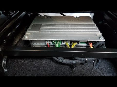 How to Remove Amplifier from Land Rover LR3 LR4 2007 for Repair.
