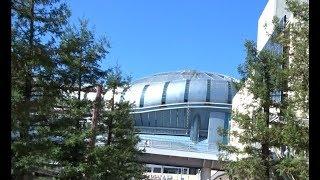 阪神なんば線のドーム前駅や大阪メトロ長堀鶴見緑地線のドーム前千代崎駅がある昼の大阪ドーム前の風景