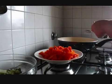 Cucinare ai tempi della crisi contorno di carote e sedano for Cucinare carote