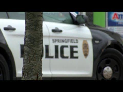 Luis Treviño - Arrestan hombre Con Rifle y Chaleco Antibalas En Un Walmart!