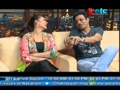Esha Gupta & Manoj Bajpai With Komal Nahta