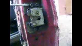 Как заменить замок и ручку двери автомобиля Заз-1102 Таврия?(В этом видео, Вы увидите подробности замены механизма закрывания двери на автомобиле Zaz 1102 Tavria. Следуя данны..., 2013-12-08T12:38:20.000Z)