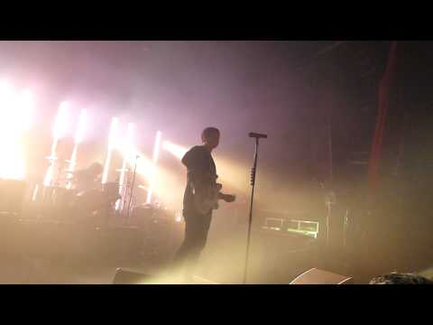 Angels and Airwaves - Dry Your Eyes @ Paris Bataclan le 07 04 2012