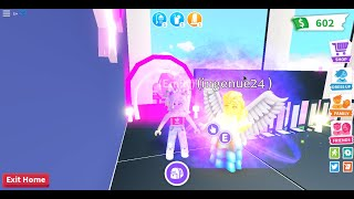 THIS GIRL IS SO CREATIVE!! // Adopt me//Friend in roblox