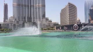 The Dubai Fountain in The Dubai Mall 10th of September 2013/ Fontána Dubaj