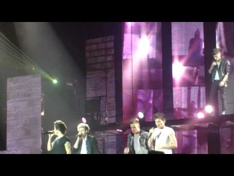 One Direction talking Danish in Herning