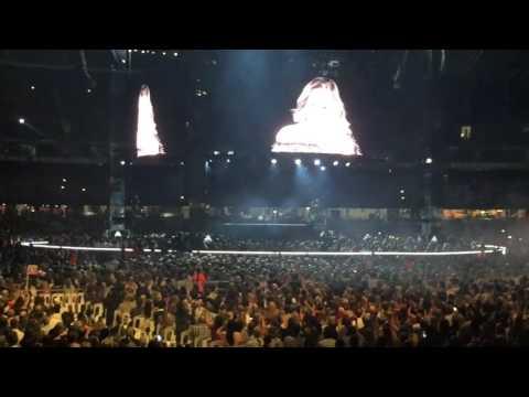 Adele *Hello* live Melbourne 18/03/17